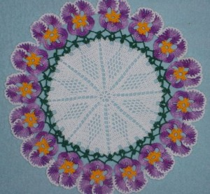 Crochet Viola Pansy Doily-1