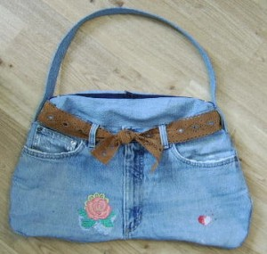 a-pocketbook-from-old-jeans